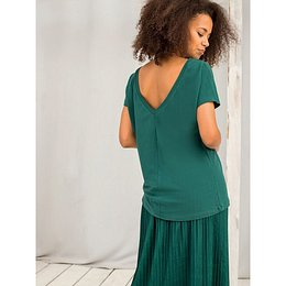 T-shirt with a neckline in the back dark green